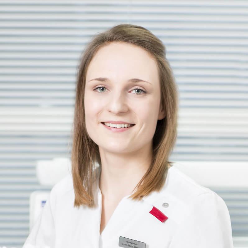 Osastonhoitaja, Hammashoitaja Emmi-Maria Miettola