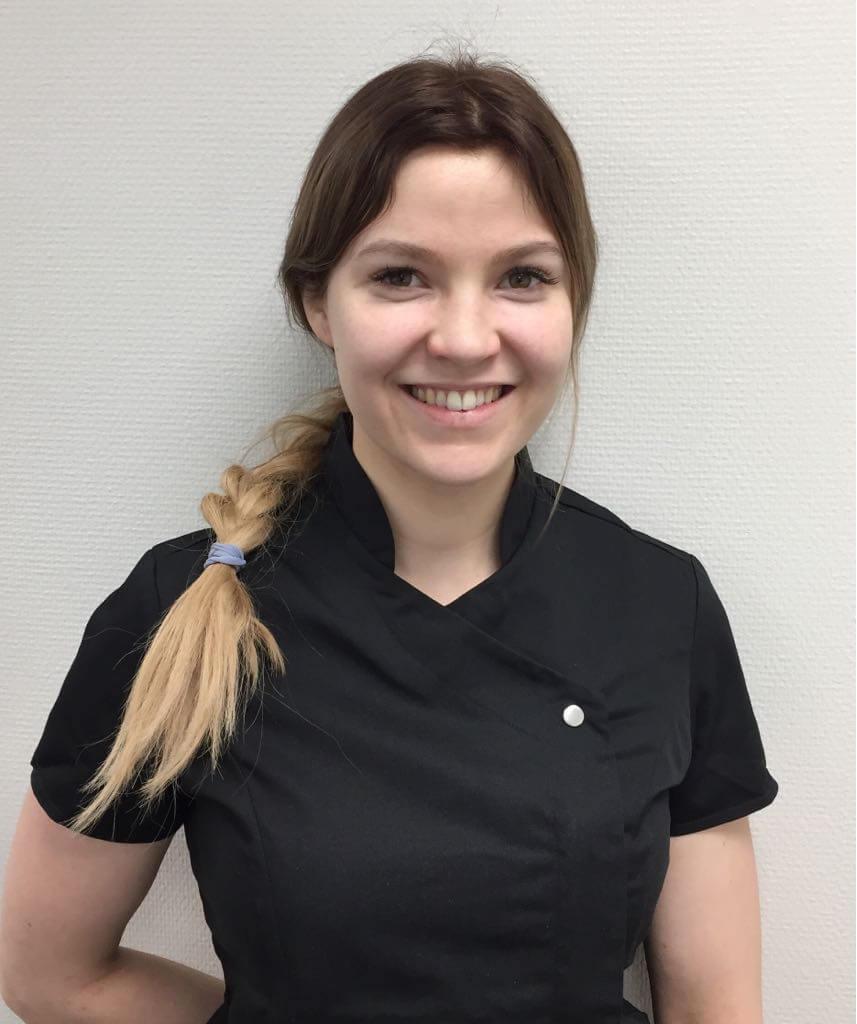 Hammaslääkäri Elina Kiviaho