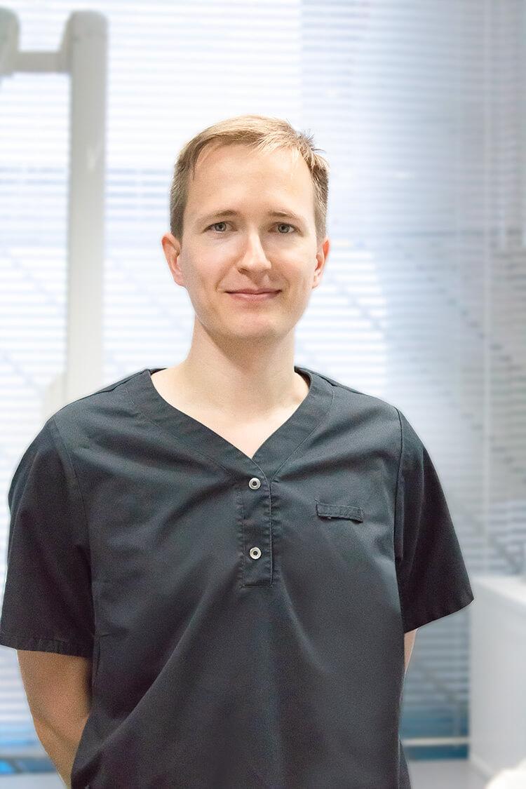 Hammaslääkäri Olli Paananen
