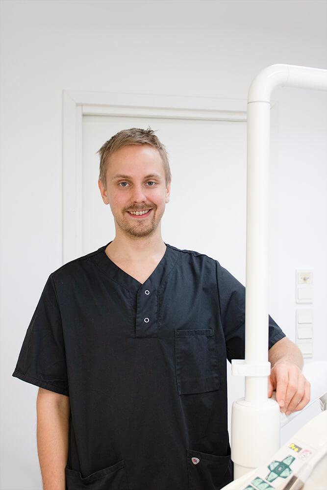 Hammaslääkäri Jyri Pale