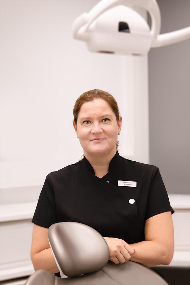 Hammashoitaja Pia Vartiainen