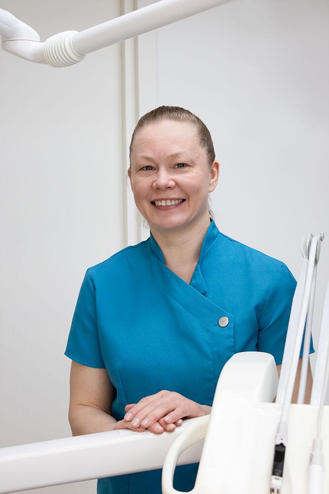 Osastonhoitaja, suuhygienisti Sanna Kamppi