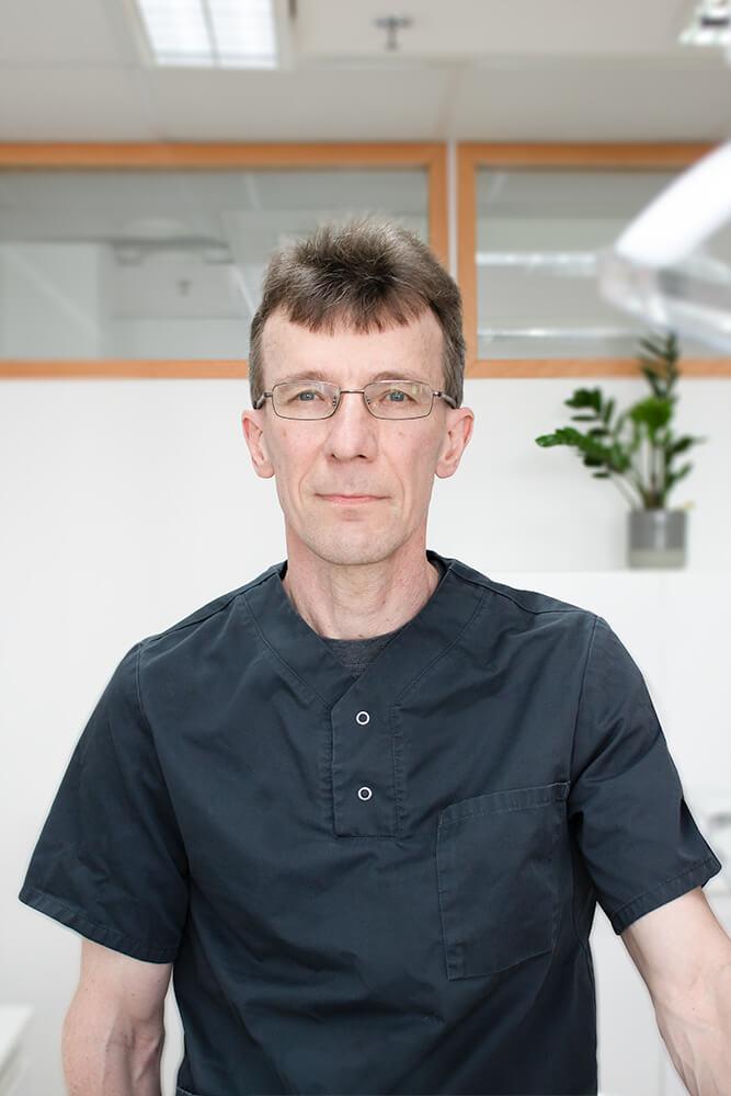 Hammaslääkäri Keijo Tullila